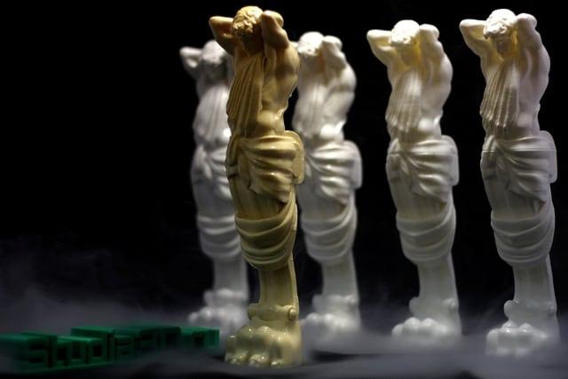 """3D-печать семидесяти """"мраморных"""" атлантов за двое суток!"""